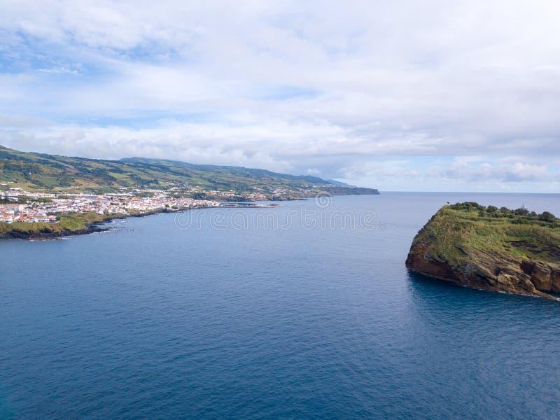 Schöne Vogelperspektive großartiger Küste Na Pali stockfotos