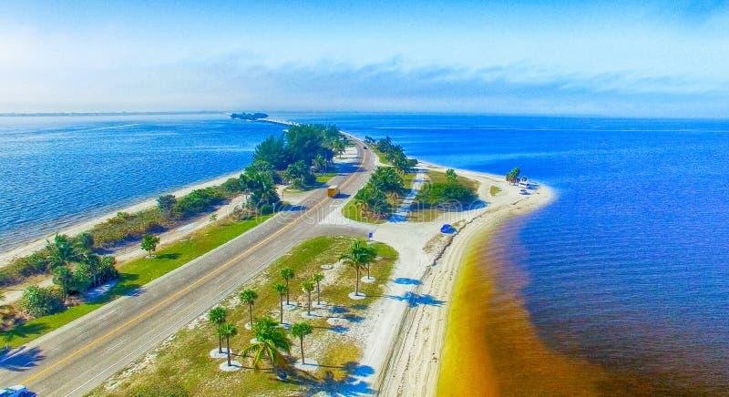 Schöne Vogelperspektive von Sanibel-Damm, Florida - USA stockfotografie