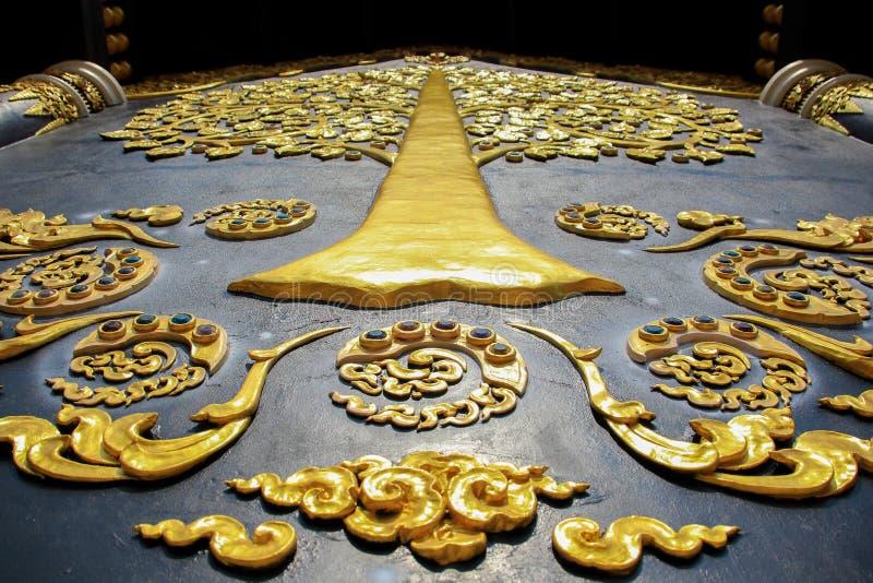 Schöne Wand in Wat Doi Pa Jhana Thailand Lampang stockfotografie