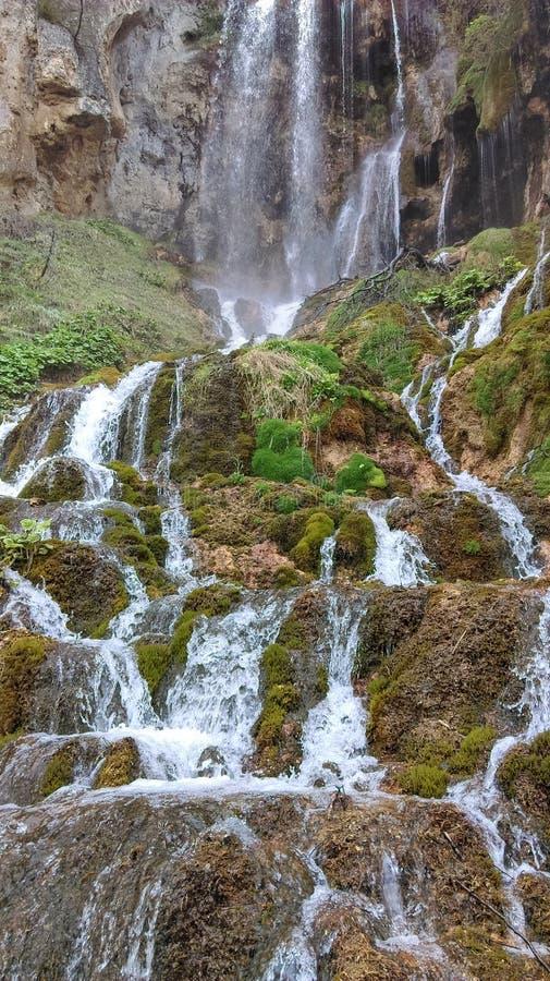 Schöne Wasserfälle Sopotnica lizenzfreie stockfotos
