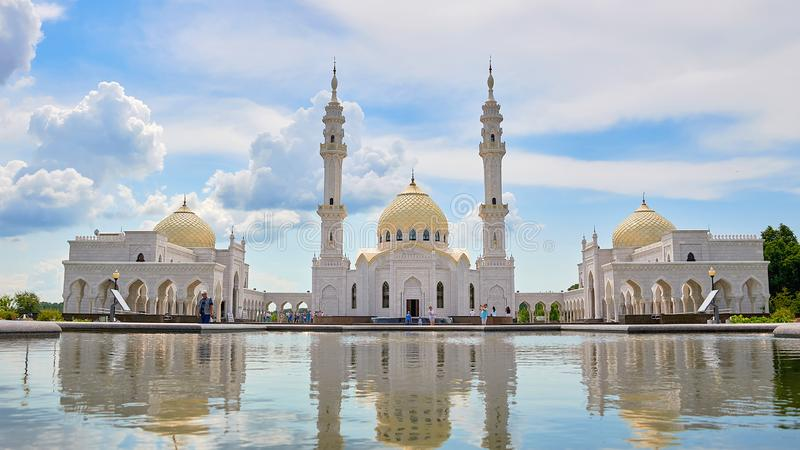 Schöne weiße Moschee in Bulgars Republik Tatarstan, Russland Islam, Religion und Architektur stockfoto