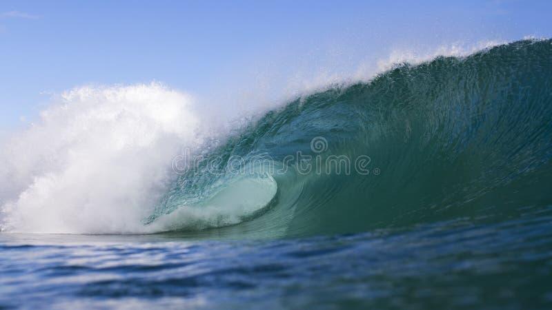 Schöne Welle lizenzfreie stockbilder