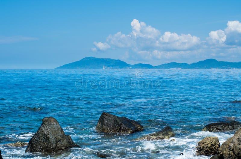 Schöne Wellen von SanYa HaiNan China stockbilder