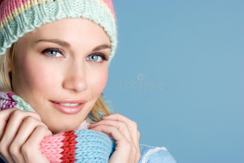 Schöne Winter-Frau lizenzfreies stockfoto