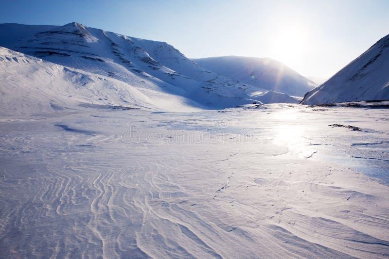Schöne Winter-Landschaft lizenzfreie stockbilder
