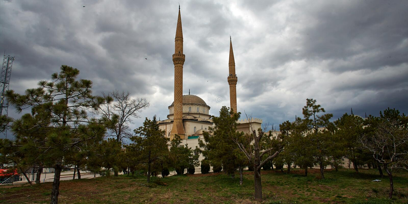 Schöne Wolke auf einer Moschee lizenzfreies stockfoto
