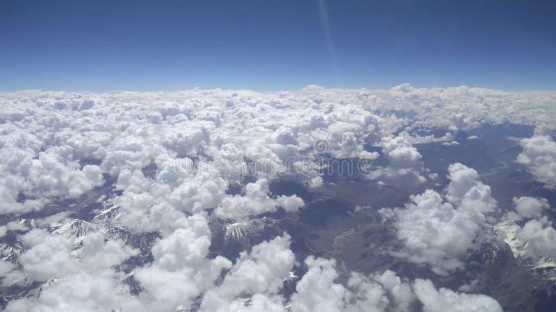 Schöne Wolken von einem schönen Flugzeug in Indien lizenzfreie stockfotos