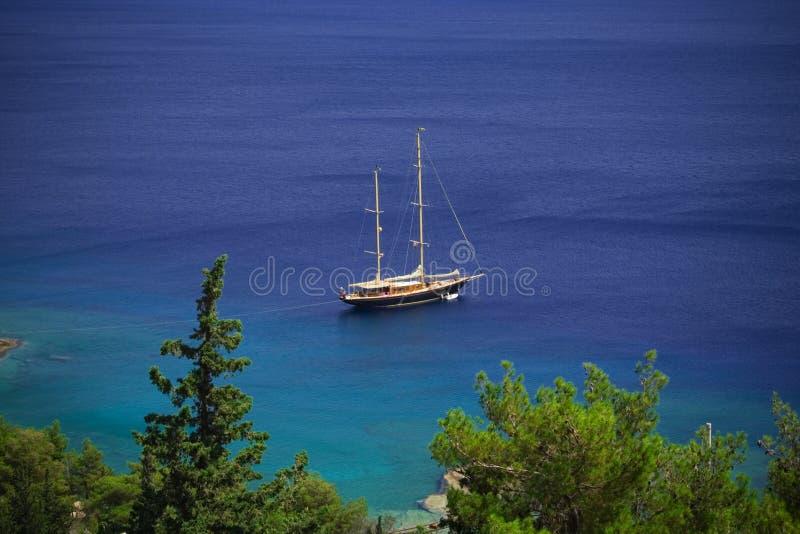 Schöne Yacht stockbild