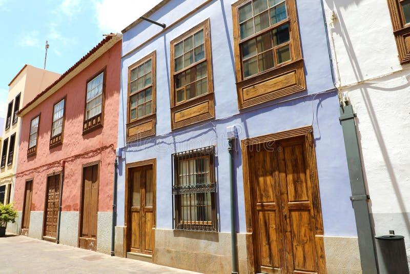 Schönen Häusern in der Straße von San Cristobal de La Laguna bekannt als La Laguna, seine historische Mitte wurden ein Welterbe e lizenzfreies stockbild