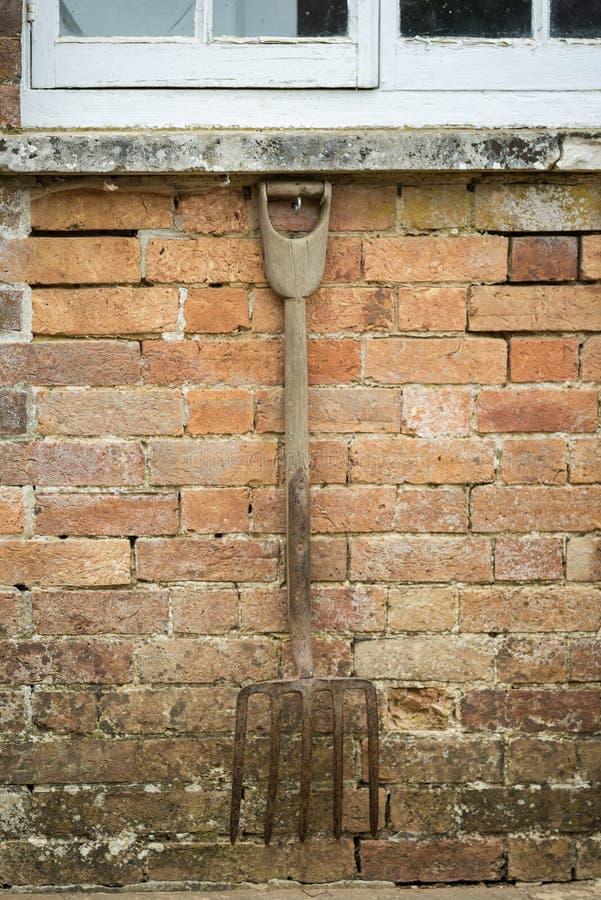 Schöner alter Weinlese Potting verschüttete Außendetail in englischer Co stockbild