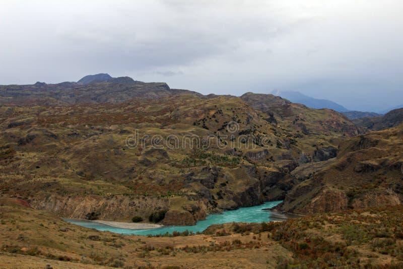Schöner blauer Bäckerfluß, Carretera Austral, Patagonia, Chile lizenzfreie stockfotos