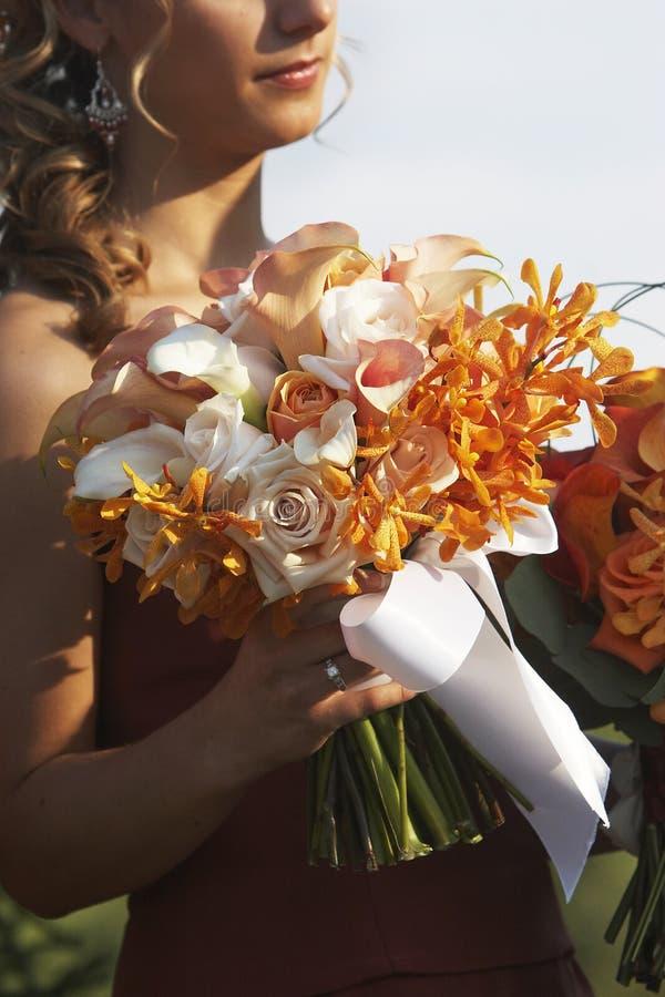 Schöner Blumenstrauß der Hochzeitsblumen lizenzfreies stockfoto