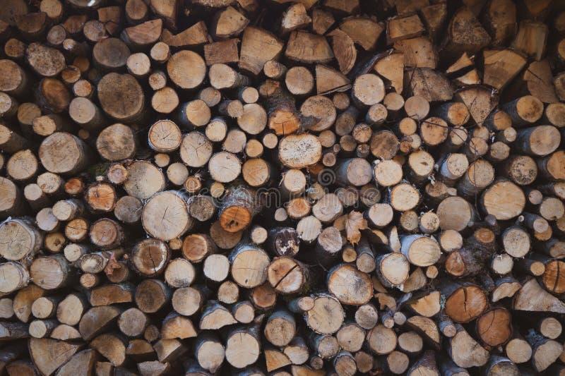 Schöner Brennholzstapel stockbild