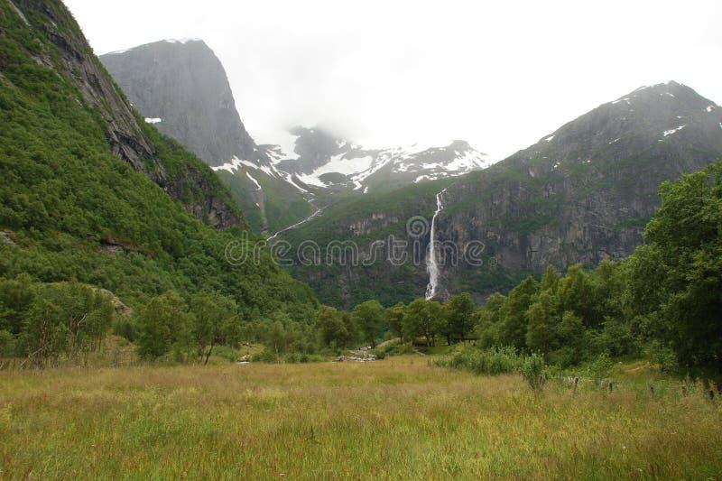 Schöner Fluss in Norwegen stockbilder