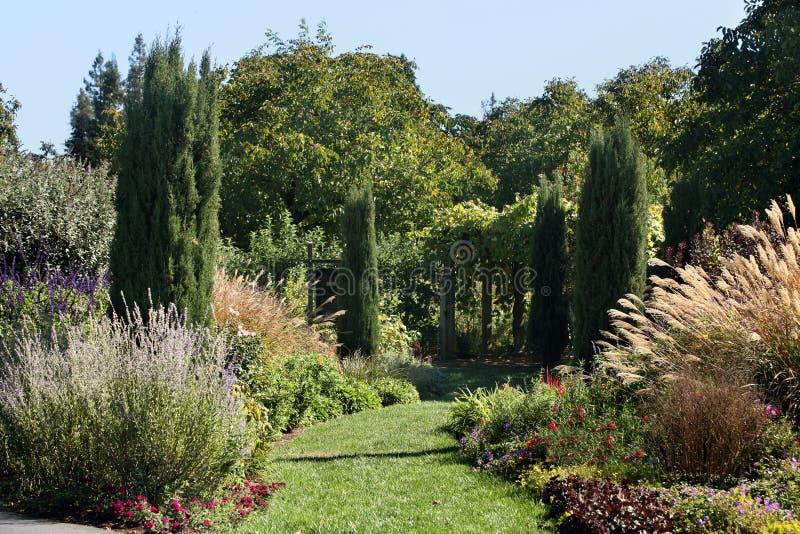 Schöner formaler Garten stockbild