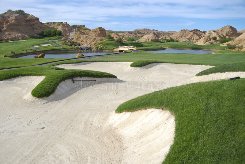 Schöner Golfplatz stockbilder