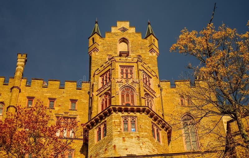 Schöner Herbst in Hohenzollern-Schloss und herum, Deutschland stockfotografie