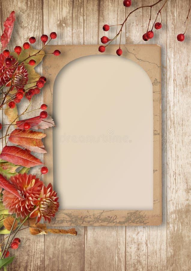 Schöner Herbsthintergrund mit Rahmen mit Eberesche und Dahlien lizenzfreie stockfotos