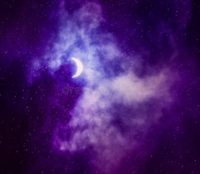 Schöner Himmel mit Halbmond lizenzfreies stockfoto