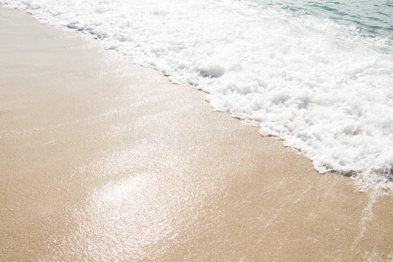 Schöner Hintergrund Strand, Sand und Meer Reisen, Jahreszeiten, Sommer, Urlaubskonzept Ort für Ihr Design lizenzfreie stockfotografie