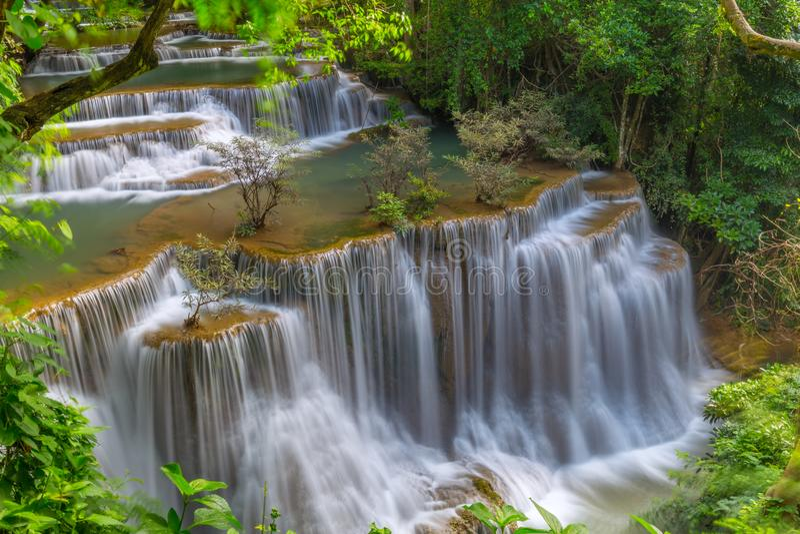 Schöner Huay Mae Kamin Waterfall in Kanchanaburi-Provinz thailand stockbild
