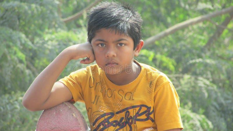 Schöner indischer Junge stockbild