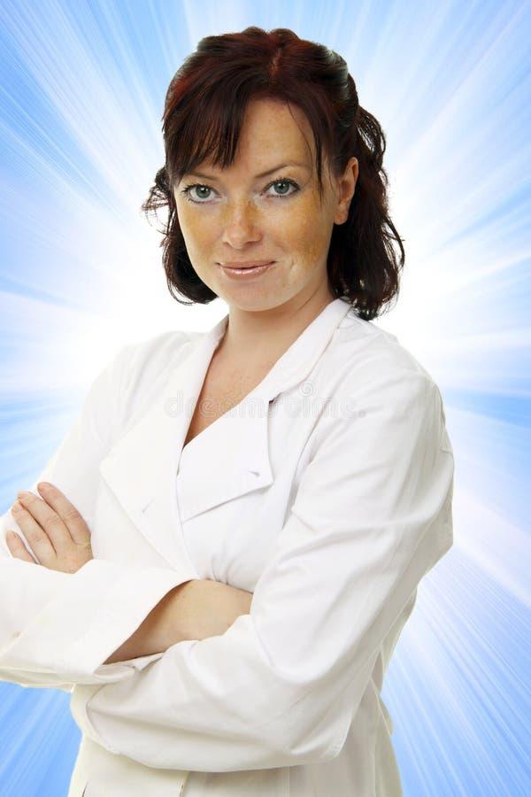 Schöner junger Doktor lizenzfreies stockfoto