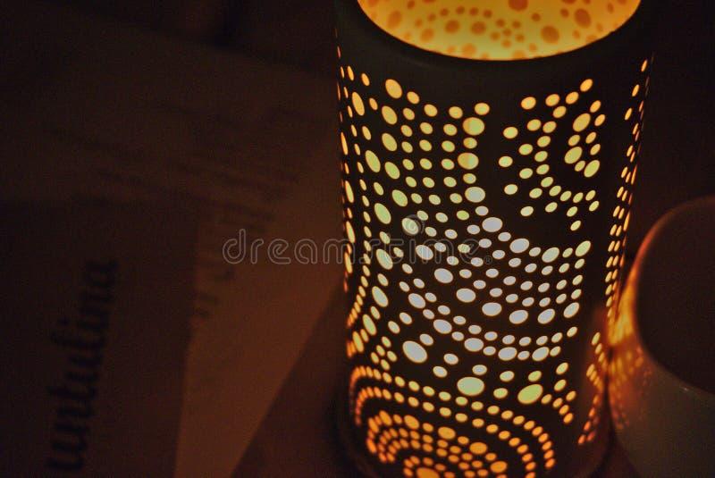 Schöner Kerzenhalter lizenzfreies stockfoto