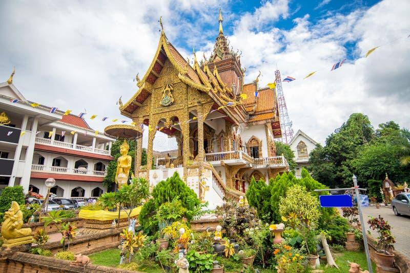 Schöner lanna Arttempel in Chiangmai lizenzfreie stockfotos