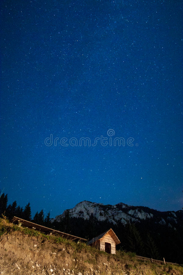 Schöner nächtlicher Himmel lizenzfreie stockfotografie