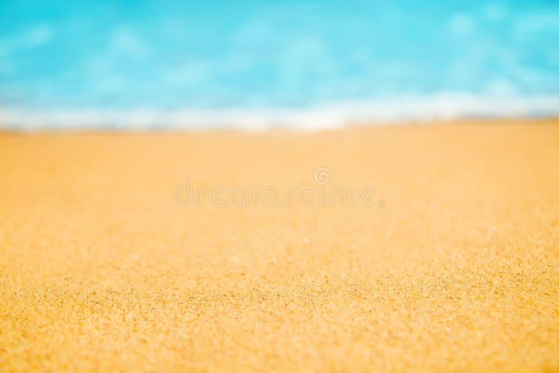 Schöner Natur-Sommer-Strand-Hintergrund, selektiver Fokus stockbild