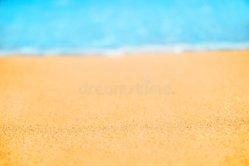 Schöner Natur-Sommer-Strand-Hintergrund, selektiver Fokus lizenzfreie stockfotografie