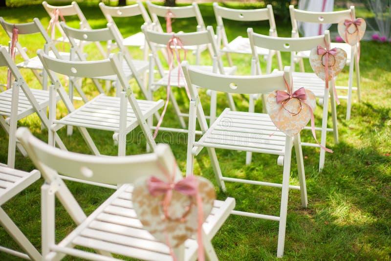 Schöner Platz für äußere Hochzeitszeremonie lizenzfreie stockfotografie