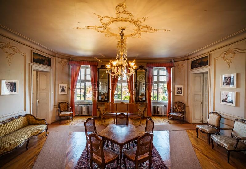 Schöner reicher klassischer Innenraum XIX des Jahrhunderts stockbilder
