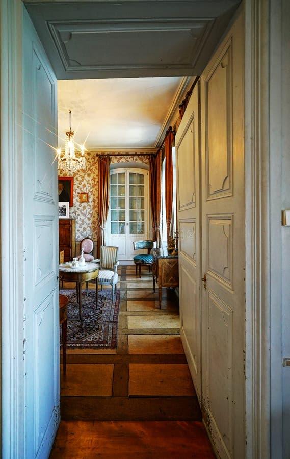 Schöner reicher klassischer Innenraum XIX des Jahrhunderts stockfotos