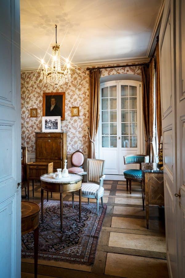 Schöner reicher klassischer Innenraum XIX des Jahrhunderts lizenzfreie stockfotografie