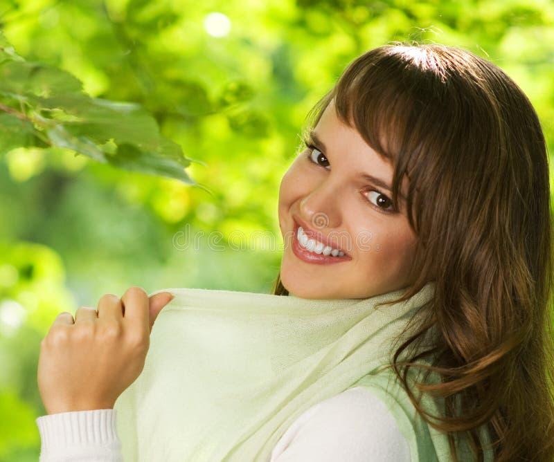 Schöner romantischer Brunette stockfoto