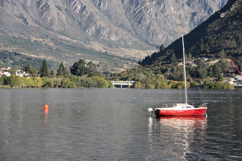 Schöner See lizenzfreies stockbild