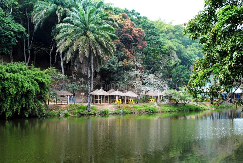 Schöner See in Afrika stockfotos