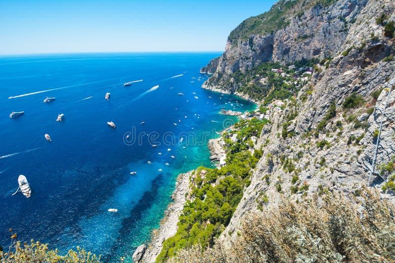 Schöner Sommertag in Capri-Insel, Italien lizenzfreie stockbilder