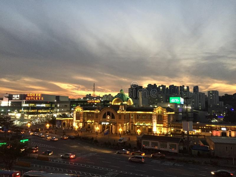 Schöner Sonnenuntergang über Seoul stockfoto