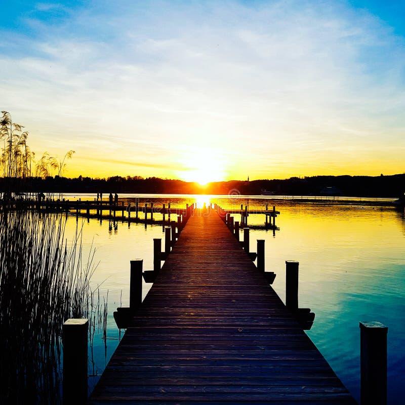 Schöner Sonnenuntergang, romantisch stockfoto