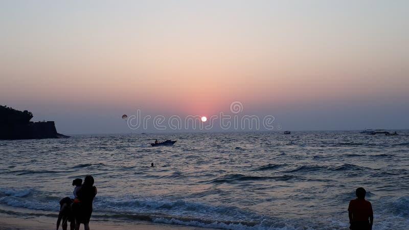 Schöner Sonnenuntergang sinquerim Strand stockbilder
