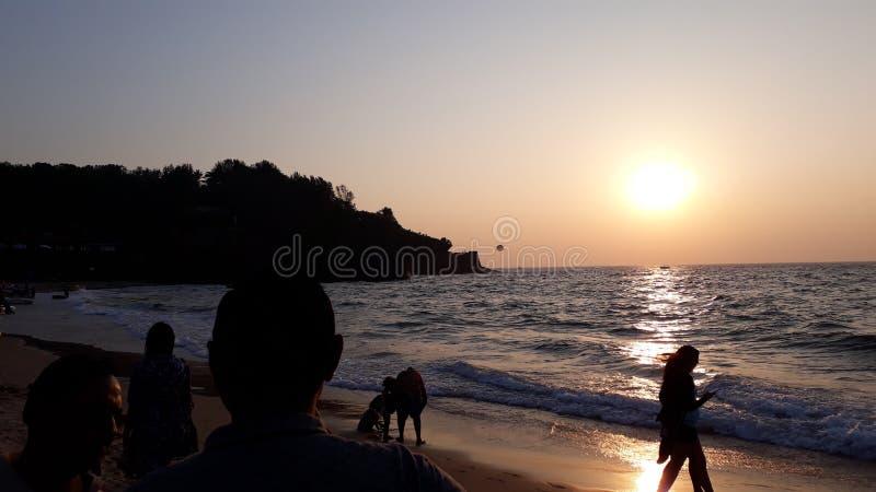 Schöner Sonnenuntergang sinquerim Strand lizenzfreie stockbilder