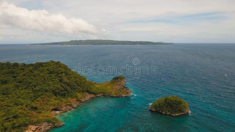 Schöner Strand der Vogelperspektive auf Tropeninsel Boracay-Insel Philippinen lizenzfreie stockfotografie