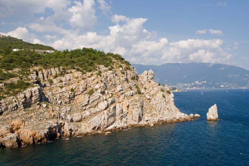 Schöner Strand nahe Jalta im Sommer krim stockbilder
