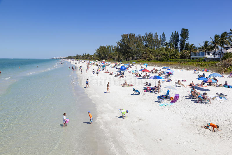 Schöner Strand in Neapel, Florida lizenzfreie stockbilder