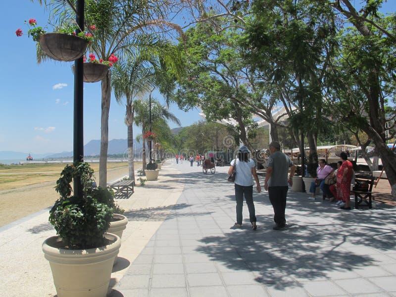 Schöner und neuer Pier von chapala Mexiko stockfotografie