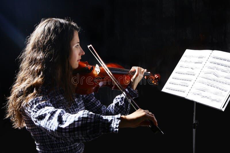 Schöner Violinistmusiker stockfotos
