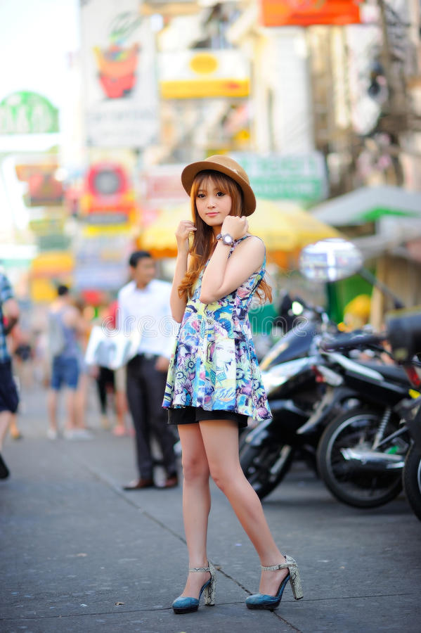 Schönes asiatisches Mädchen stockbilder